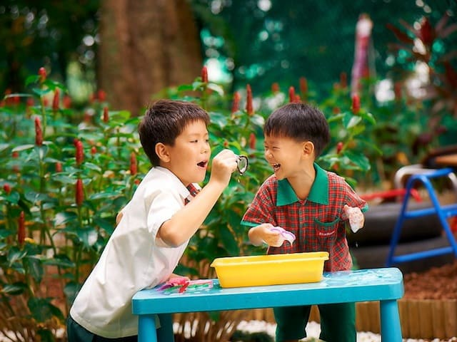 Kindergarteners from Eton House Singapore playing and learning